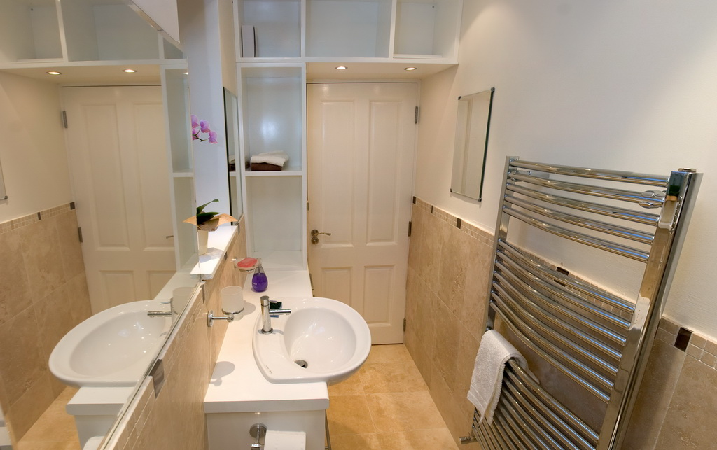 Hannah barnes interior designs bathroom design eccles for Bathroom design manchester