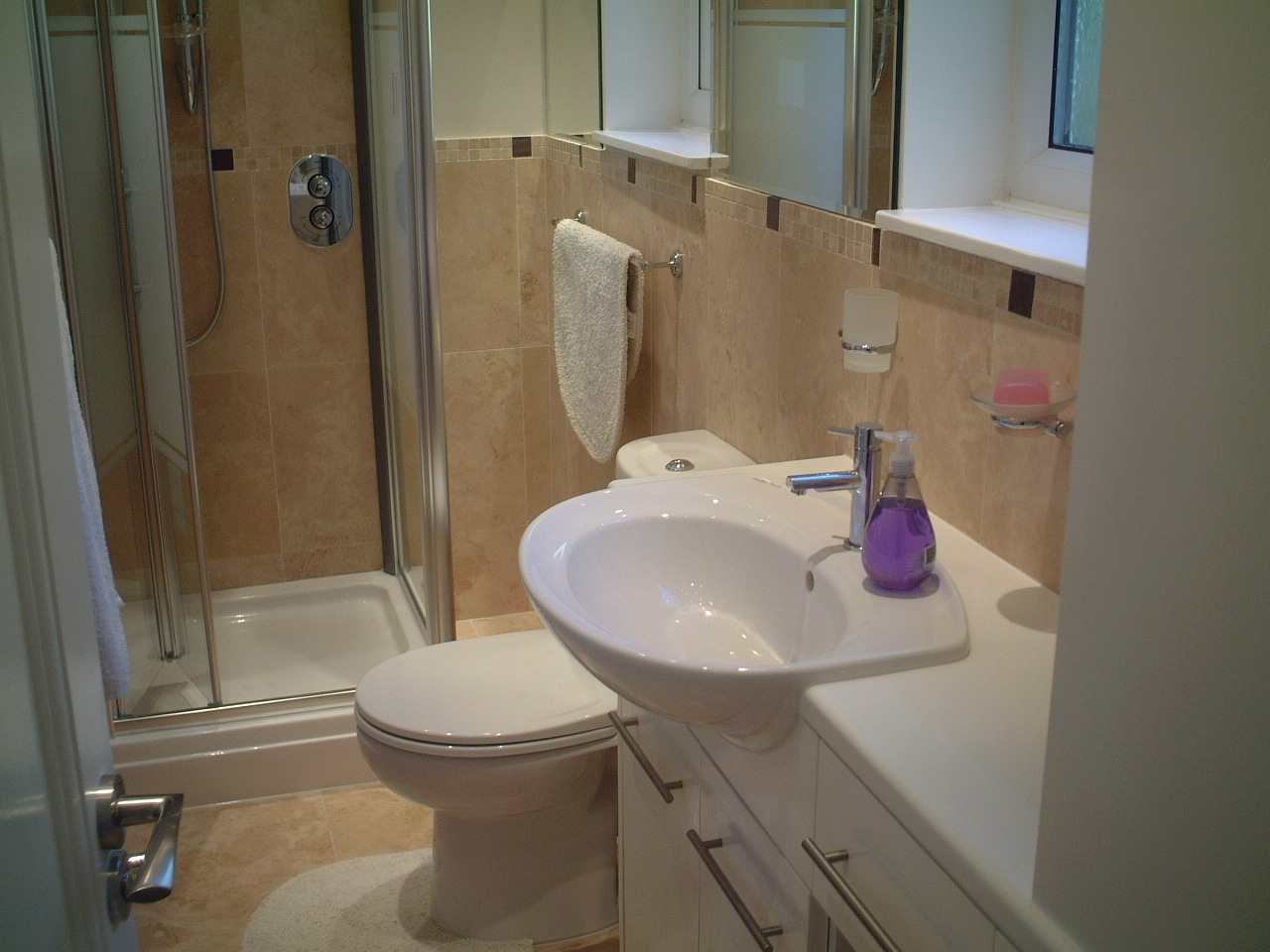 Hannah barnes interior designs bathroom eccles for Bathroom design manchester